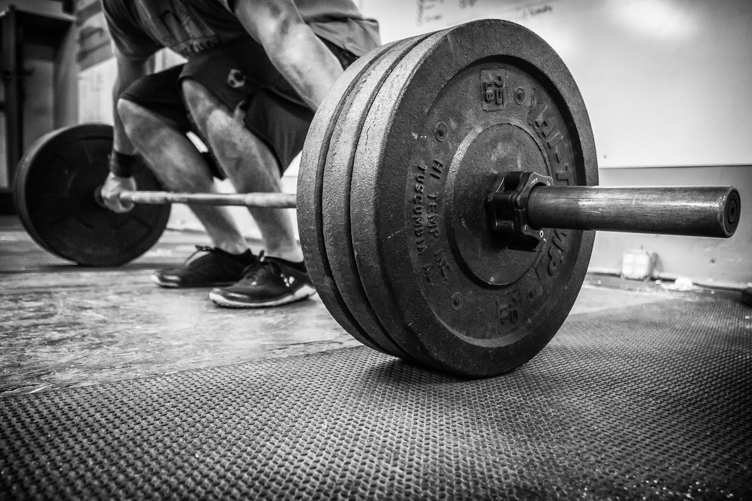 How Kratom Can Help with Weightlifting Training